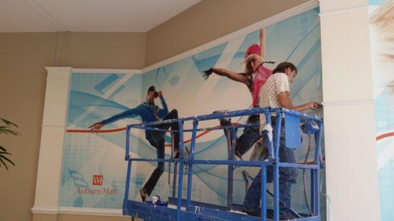 Install a wall mural in Auburn